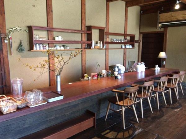 伊都安蔵里 レストランのカウンター