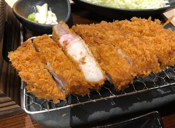 博多駅 とんかつ屋,福岡 ランチ 肉,黒かつ亭 JR博多シティ店