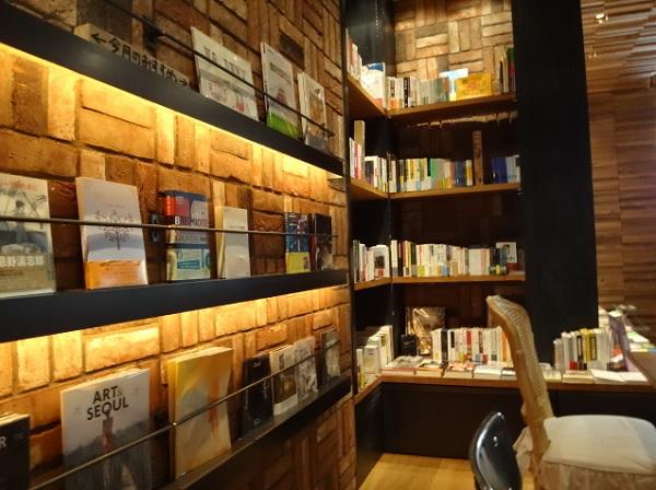 天神 ブックカフェ,天神カフェ